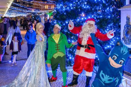 <b> La Gruta Santa Claus en Ocean Village </b> recauda más de 2.600 libras para la investigación del cáncer infantil